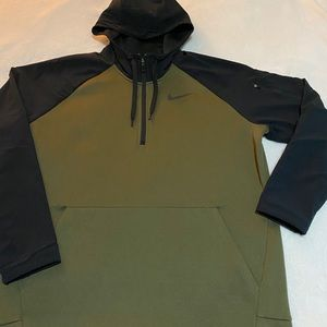 Nike dri fit army green and black men's xl hoodie